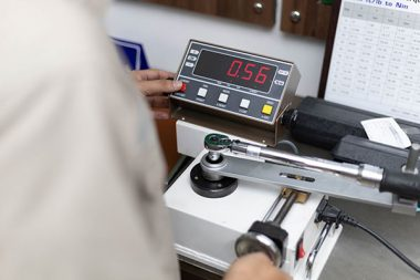 Torque Wrench Calibration with precise calibration machine